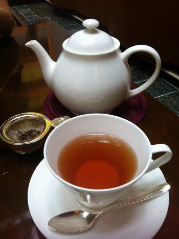 ストレートで紅茶を飲むなら断然、ダージリンがおすすめ。ダージリンの香りを存分に味わってください!
