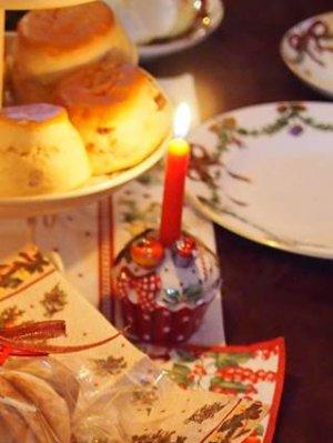 キャンドルホルダーはビレロイ&ボッホのもの。ビレロイ&ボッホはクリスマスアイテムが豊富なのです。毎年少しずつ集めています。