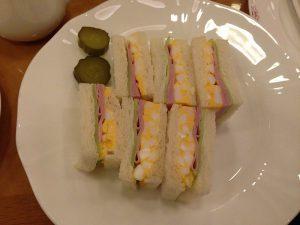 卵とハムとレタスのサンドウィッチ。とっても美味しかったです。