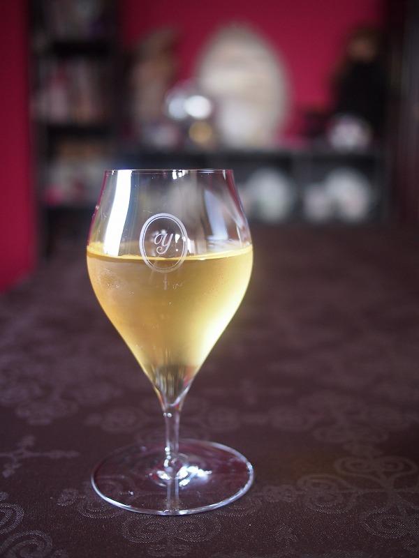 2煎目を水出しアイスティーにしたダージリンファーストフラッシュ。2煎目でもこんなに綺麗な色の水出し紅茶が作れます。