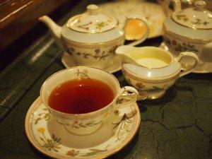 こちらはウヴァ。ミルクティーにしたいので濃いめでお願いします。とオーダーしたらしっかりと濃いウヴァが出てきました。ウヴァ特有のメントールフレーバーも感じることができる美味しい紅茶でした。