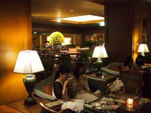 椿山荘のロビーラウンジは内装も素敵ですよね。