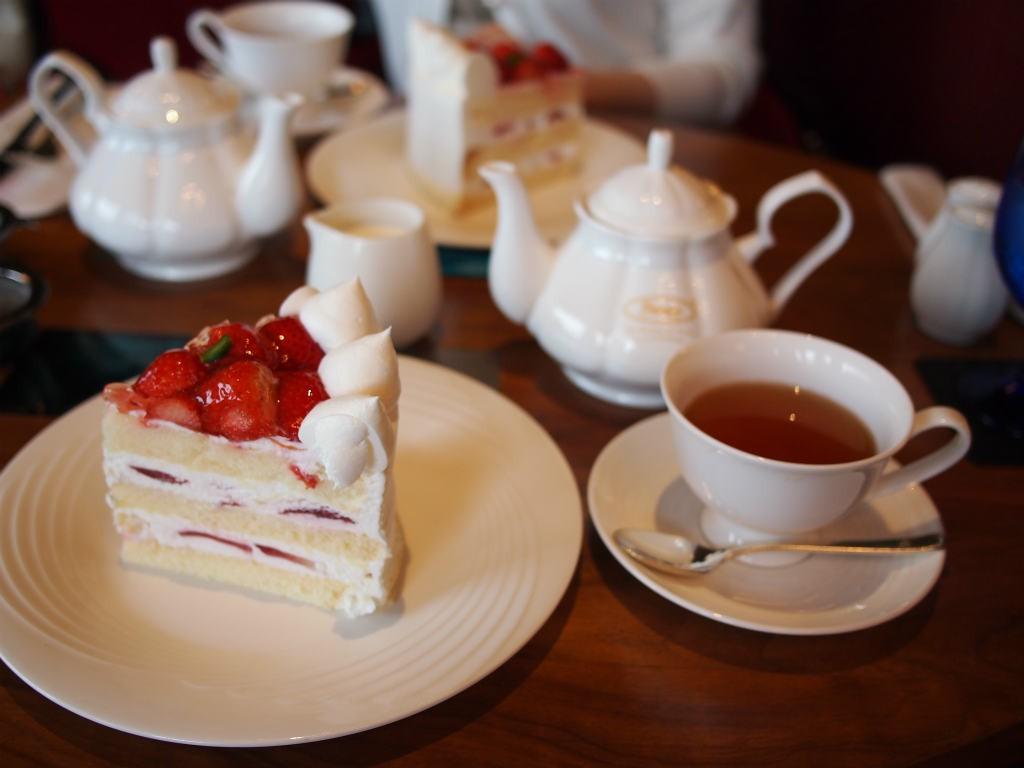 写真はジョイフルセット。ショートケーキと飲み物のセットです。
