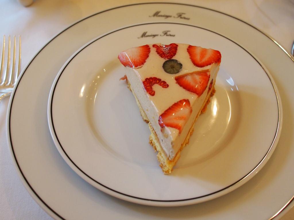 大きくて美味しいケーキ
