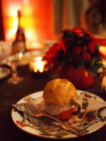 ティーカップと同じシリーズのスターフルーテッドのデザート皿はお取り皿として使いました。