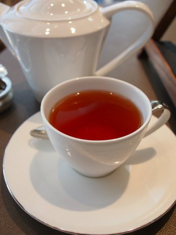 シャングリラ・ピャチェーレ・アフタヌーンティーの紅茶アッサム