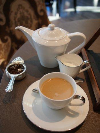 シャングリラ・ピャチェーレ・アフタヌーンティーの紅茶ミルクティー