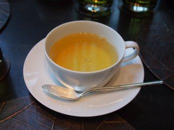 こちらはドゥードロップ。中国茶に花や果実のフレーバーを付けたお茶です。