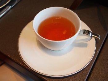 シャングリラ・ピャチェーレ・アフタヌーンティーの紅茶べにふうき