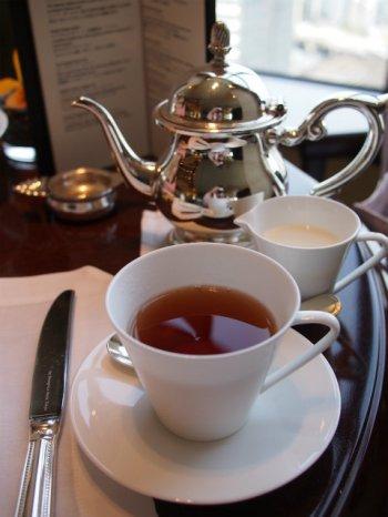 シャングリラアフタヌーンティーの紅茶アッサム