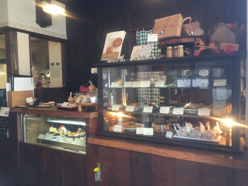 生菓子のほかクッキーやスコーンなどの焼き菓子も売っています。