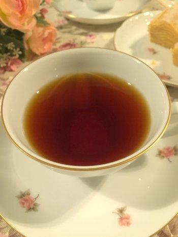 アッサムの水色は濃い赤褐色です。