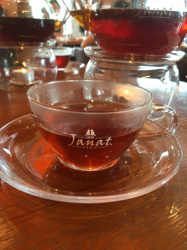 こちらは「テドパラディ」マスカットの香りの紅茶です。