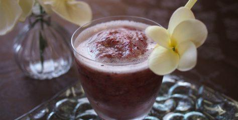 <紅茶レシピ>猛暑日に飲みたい!簡単に作れるぶどうのティースムージー