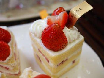 アンテノールのショートケーキ