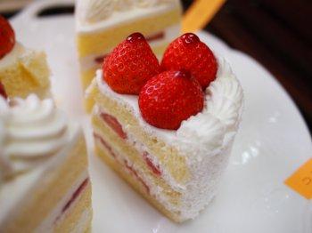 コロンバンのショートケーキ