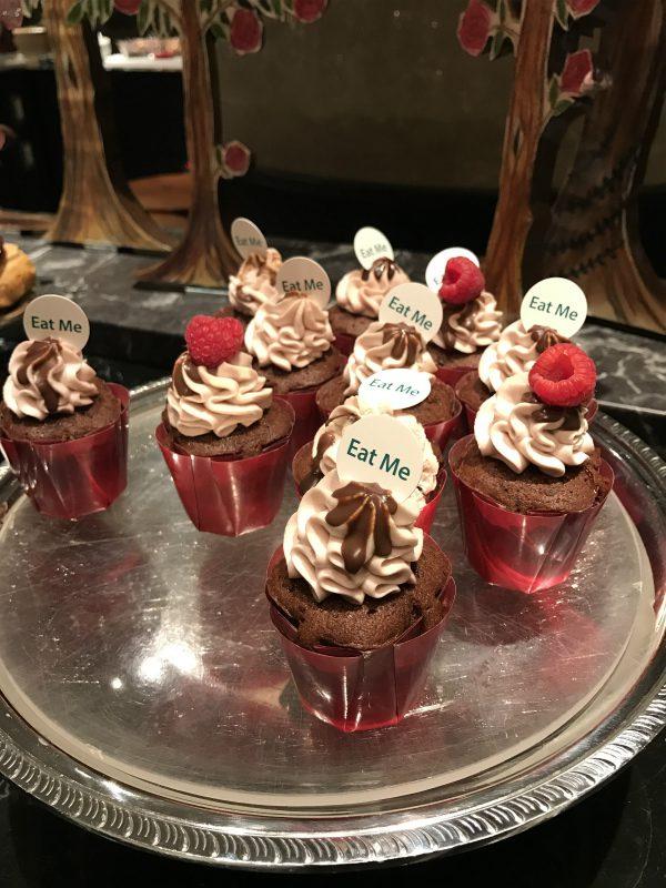 ラズベリーチョコカップケーキ