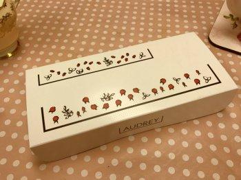 オードリーで一番人気の「グレイシア」が入っている箱。こちらは5本入り。