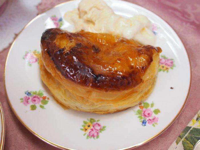 焼きめも美味しそうなアップルパイ