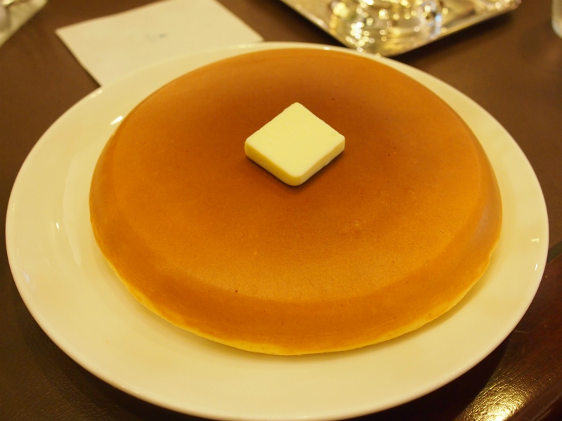 こちらは大人気メニューのホット―ケーキ(1枚)です。