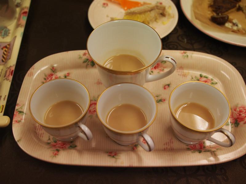 モンブランはミルクティーとの相性がいいので、ストレートだけでなくミルクティーでも合わせてみました。