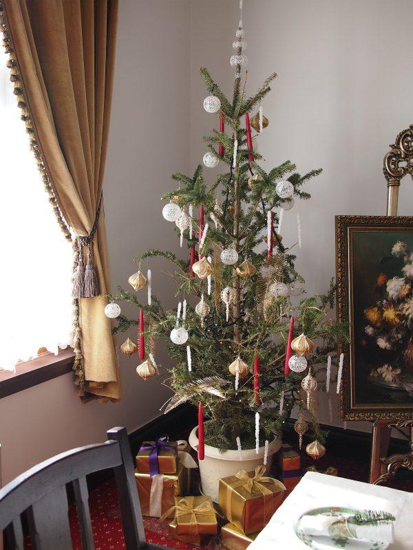 横浜市イギリス館のクリスマスツリー