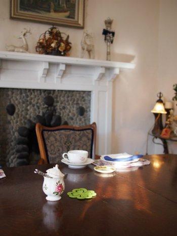 暖炉のある個室でアフタヌーンティーが出来るなんて、とっても贅沢ですよね!