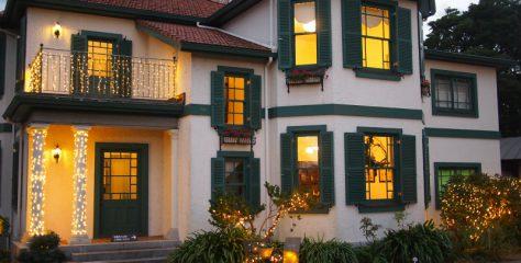 横浜山手西洋館「世界のクリスマス」と紅茶を楽しんだ一日