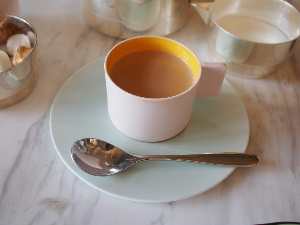 ティーカップは有田焼の1616 / Arita Japan のもの。