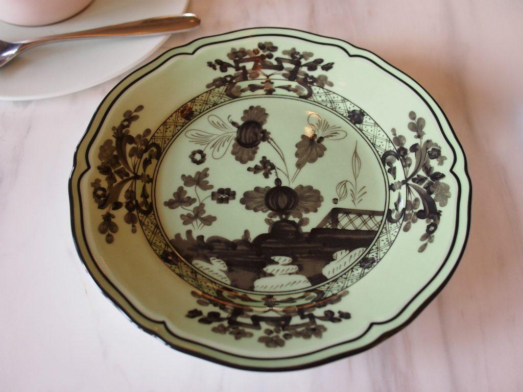 取り皿はリチャードジノリのオリエンテイタリアーノ