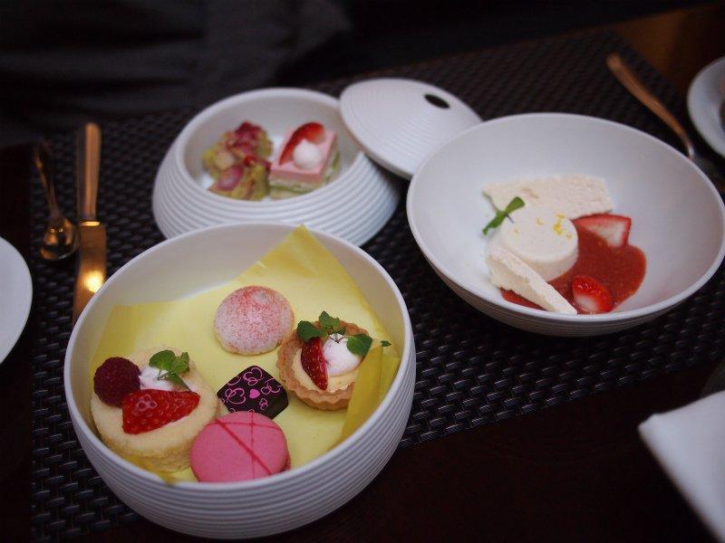 ストリングスホテル東京インターコンチネンタル『冬菓の重』 ~苺のアフタヌーンティー~レポート