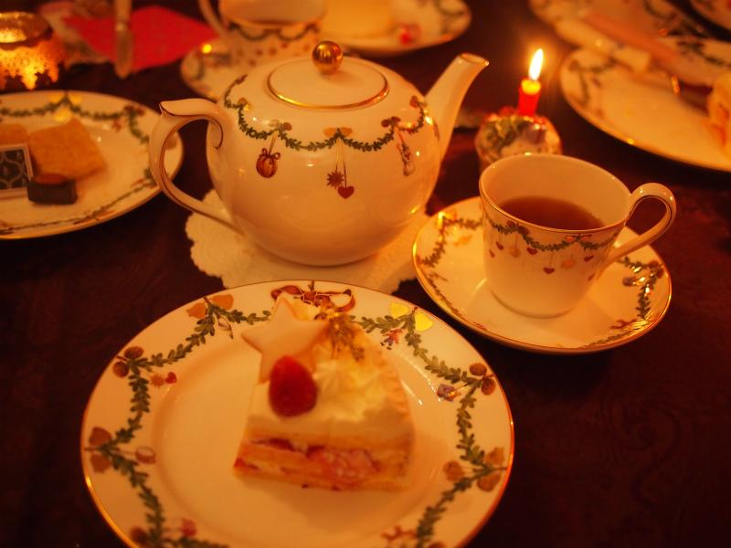 クリスマスケーキももちろん紅茶と一緒に楽しみました。ここまで低産地の紅茶が多かったので、クリスマスケーキの時はダージリンオータムナルにしました。