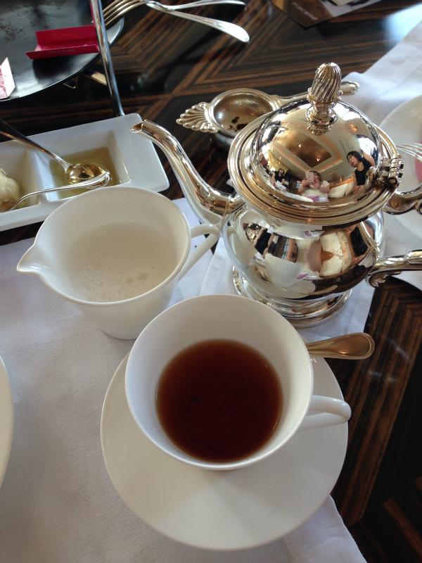 シャングリラ・フォションコラボアフタヌーンティーの紅茶アッサム