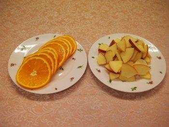 モルドワインティーの作り方1オレンジとリンゴをカット