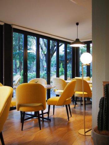 日比谷パレスのレストランの内部