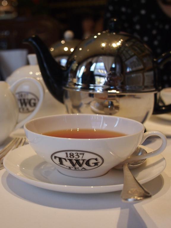 もちろんお店の方に伺えば、詳しく教えてくれます。とくに紅茶専門店ではとても丁寧に教えてくれるので、それを楽しみにすることもあります。でも自分で選べるようになったら、それはそれで楽しいですよね。
