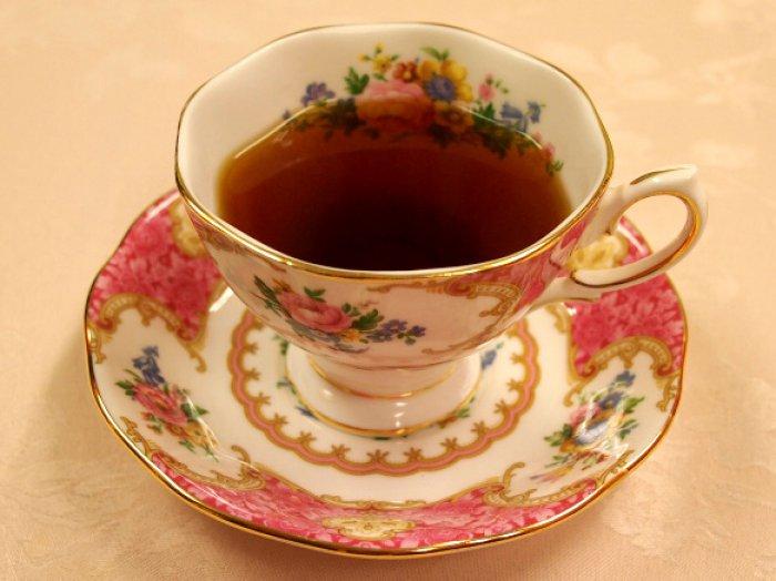 ティーカップに入ったディンブラ紅茶