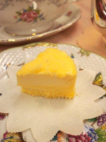 LeTAOのドゥーブルフロマージュ。カットするとチーズの層が2段になっているのが分かります。