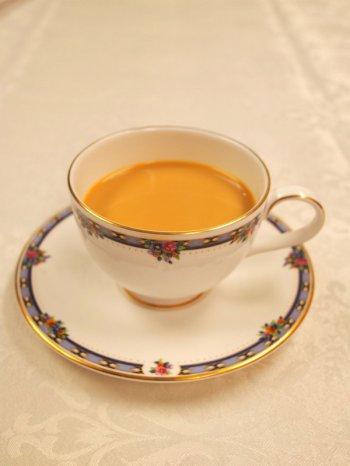 ミルクティーにしたルフナ紅茶