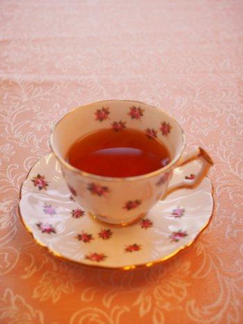 ダージリンオータムナルをカップに注いだ画像