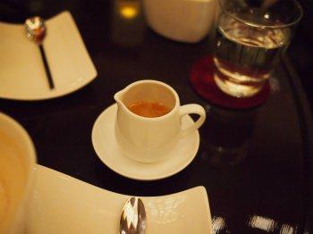 アマン東京ザ・ラウンジbyアマンのアフタヌーンティーの紅茶モルゲンタウ