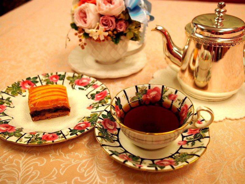 ガトーバスクと紅茶
