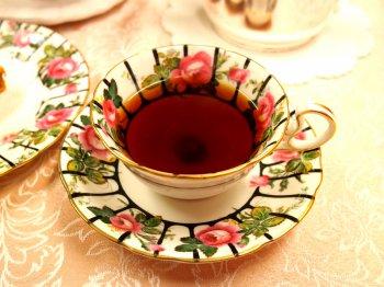 ディンブラは味がはっきりしている紅茶らしい紅茶です。