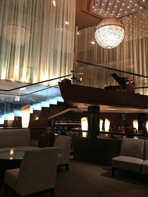 ANAインターコンチネンタル東京アトリウムラウンジのピアノ