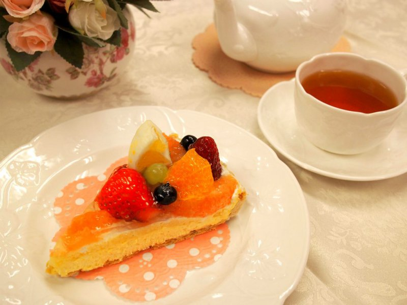 ア・ラ・カンパーニュの「タルト・メリメロ・プランタニエ」と紅茶