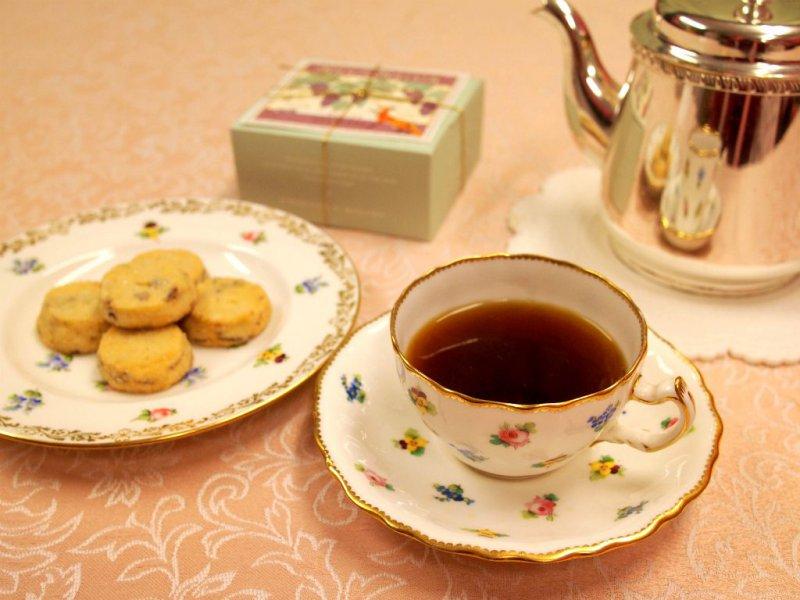 ブルトンヌ サブレ・ラムレザンと紅茶