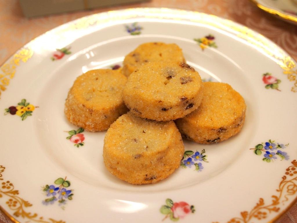 ラムレーズン入りのクッキー