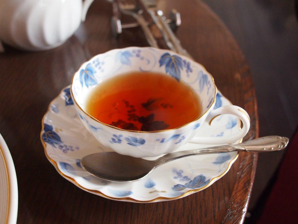 三菱一号美術館cafe1894 初夏のアフタヌーンティーの紅茶