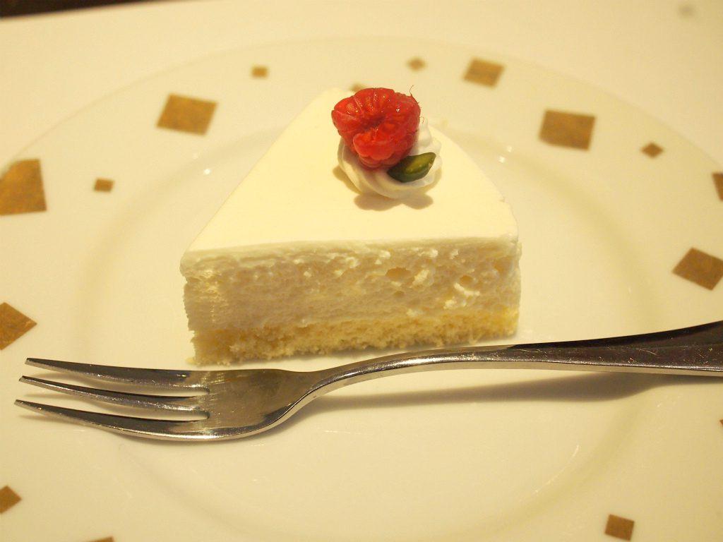 この日のケーキはレアチーズケーキでした。