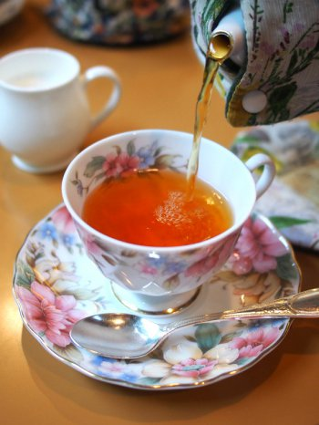 ホテル雅叙園東京 カフェラウンジ パンドラのアフタヌーンティーの紅茶